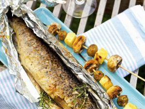 Forelle vom Grill mit Kartoffel-Champignon-Spieß Rezept