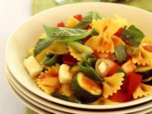Frafalle mit Zucchini, Paprika und Käse Rezept
