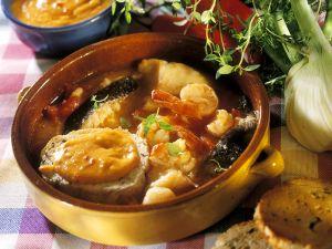 Französische Fischsuppe mit Brot Rezept