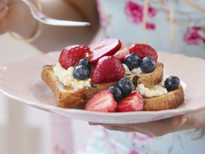 French Toast mit Beeren Rezept
