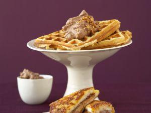 French Toast und Waffeln mit Schokosahne Rezept