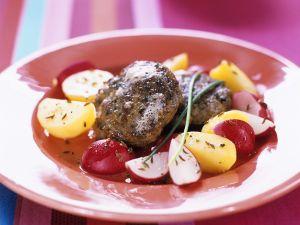Frikadellen mit Kartoffel-Radieschensalat Rezept