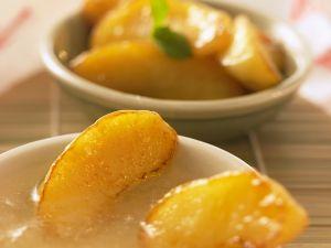 Frittierte Äpfel mit Karamellsauce Rezept