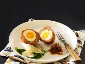 Frittierte Eier im Fleischteig Rezept