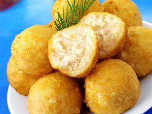Frittierte Fischklößchen Rezept