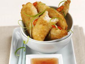 Frittiertes scharfes Hähnchenfleisch und süß-saurem Dip Rezept