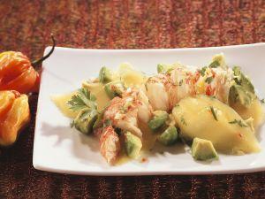Fruchtiger Avocadosalat mit Languste Rezept