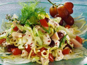 Fruchtiger Nudel-Hähnchensalat Rezept