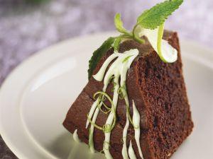 Fruchtiger Schokoladenkuchen mit Limette und Mandeln Rezept