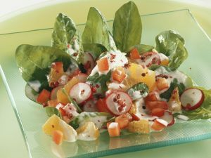 Fruchtiger Spinat-Paprikasalat Rezept