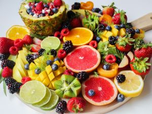 Die 16 zuckerärmsten Obstsorten im Ranking