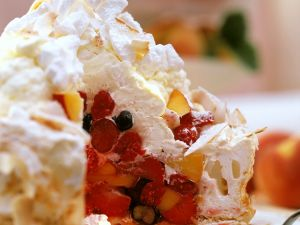 Früchte-Baiser-Torte Rezept