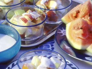 Früchte mit Joghurt Rezept