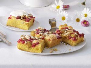Früchte-Rührkuchen vom Blech Rezept