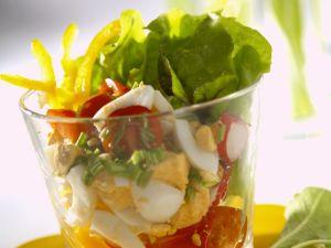 Frühlingshafter Salat mit Ei und Rote-Bete-Grün Rezept
