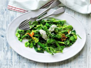 Frühlingssalat mit Ziegenfrischkäse Rezept