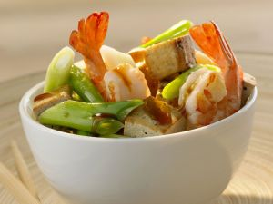 Garnelenschwänze mit Tofu und Lauchzwiebeln Rezept