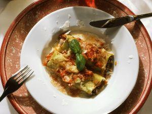 Gebackene Cannelloni mit Hackfleischfüllung Rezept