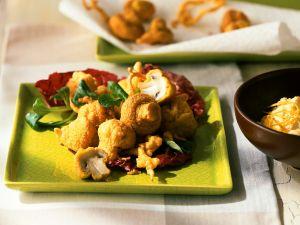 Gebackene Champignons mit Salat Rezept