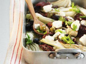 Gebackener Fenchel mit Oliven, Feta und getrockneten Tomaten Rezept