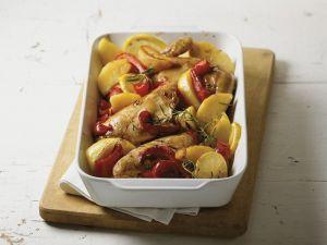 Gebackenes Zitronenhühnchen mit Paprika und Kartoffeln Rezept