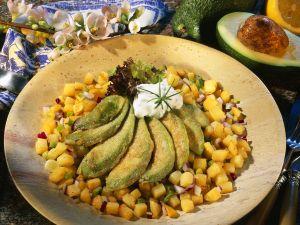 Gebratene Avocado mit Kartoffeln Rezept