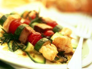 Gebratene Fisch-Gemüse-Spieße Rezept