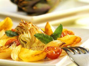 Gebratene Kartoffeln und Artischocken Rezept