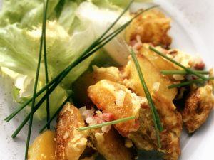 Gebratene Speck-Kartoffeln mit Ei Rezept