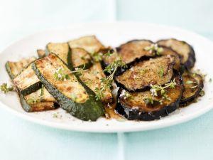 Gebratene Zucchini- und Auberginenscheiben Rezept