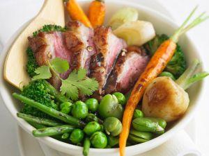 Gebratener Gemüsesalat mit Entenbrust Rezept