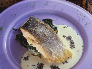 Gebratener Lachs mit Spinat Rezept
