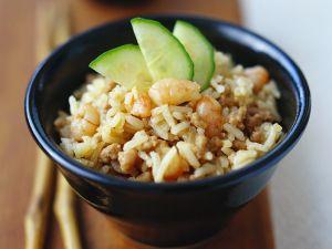 Gebratener Reis mit Garnelen Rezept