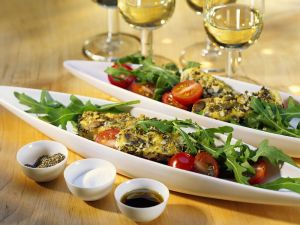 gebratene schweinelende auf couscous kr uter salat rezept eat smarter. Black Bedroom Furniture Sets. Home Design Ideas