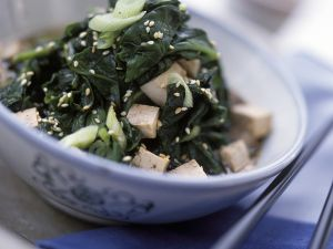 Gebratener Tofu mit Spinat Rezept
