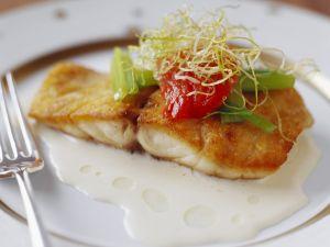 Gebratenes Fischfilet mit sahniger Soße Rezept