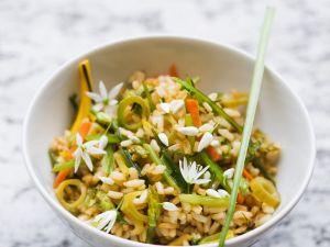 Gebratenes Gemüse mit Reis Rezept
