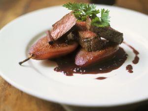 Gebratenes Rinderfilet mit Rotweinbirne Rezept