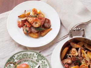 Gebratenes Schweinefleisch mit Kartoffeln Rezept