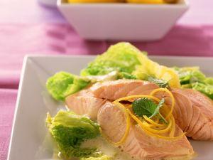 Gedämpfter Lachs mit Wirsinggemüse Rezept