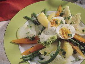 Gedämpftes Gemüse und Ei Rezept