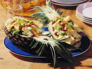 Gefüllte Ananas mit Staudensellerie und roten Bohnen Rezept