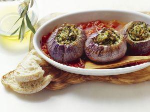 Gefüllte Auberginen auf sizilianische Art Rezept