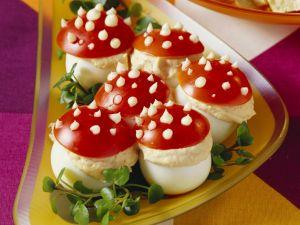 Gefüllte Fliegenpilz-Eier Rezept