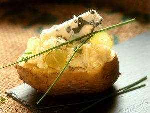 Gefüllte Kartoffeln mit Käse Rezept
