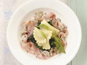 Gefüllte Nudeln mit Schinken und Spinat Rezept