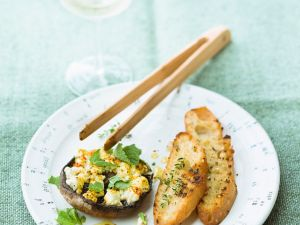 Gefüllte Pilze mit Schafskäse und Kräutern Rezept