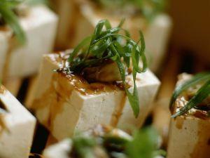 Gefüllte Tofuwürfel mit Lauch und Pilzen Rezept