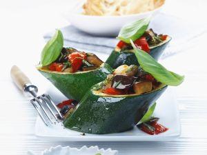 Gefüllte Zucchini mit Gemüse Rezept