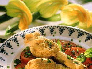 Gefüllte Zucchiniblüten mit Tomaten Rezept